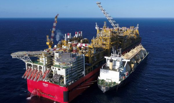 Shell slashes value of Prelude floating LNG